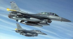military-jets-1109093_1920