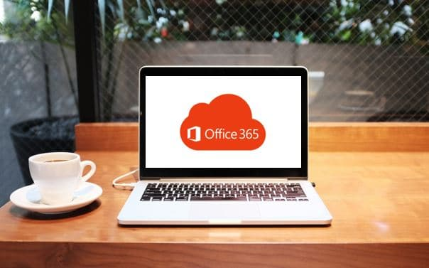 Ordinateur portable qui affiche le logo d'Office 365